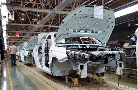 Тольяттинский автогигант обещает запустить в производство lada  с правым рулем - всё о ремонте Лада
