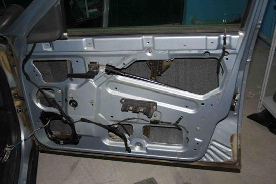 Шумоизоляция автомобиля ВАЗ 2110 своими руками: видео - всё о ремонте Лада