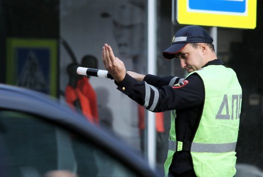Игнорирование указания инспектора ГИБДД об остановке. Какое наказание грозит? - всё о ремонте Лада