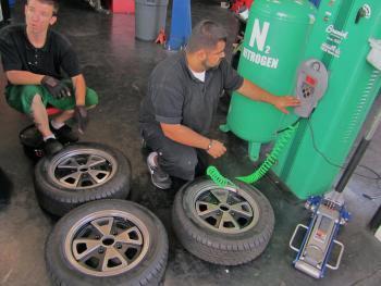 Накачка шин азотной смесью. Преимущества и недостатки - всё о ремонте Лада