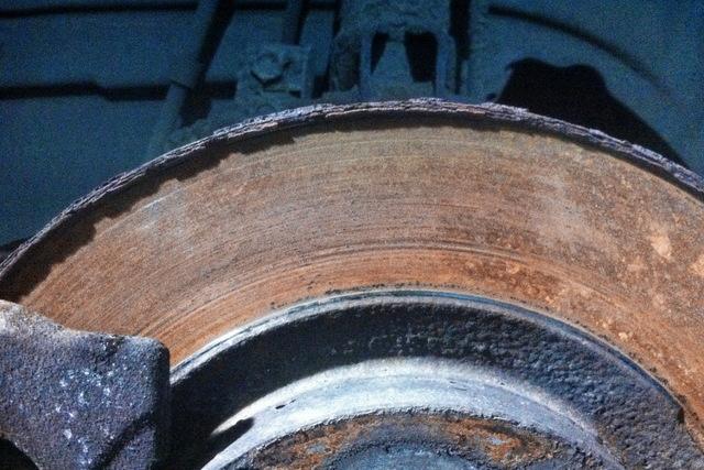 Неравномерный износ тормозных колодок: причины быстрого износа - всё о ремонте Лада