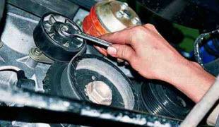 Проверка состояния приводного ремня и натяжного ролика генератора - всё о ремонте Лада