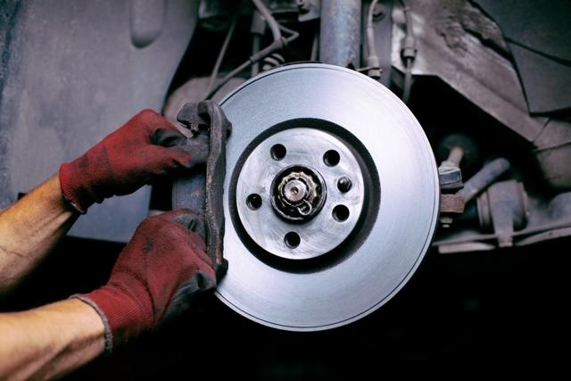 Что делать, если трясется руль на неровностях - всё о ремонте Лада