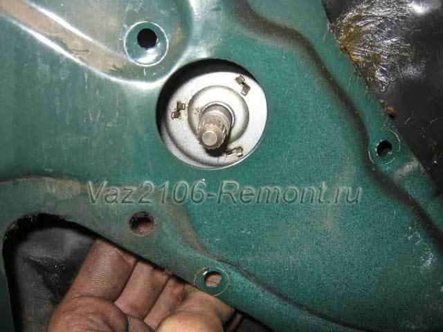Установка электростеклоподъёмника в водительскую дверь ВАЗ 2106 - всё о ремонте Лада